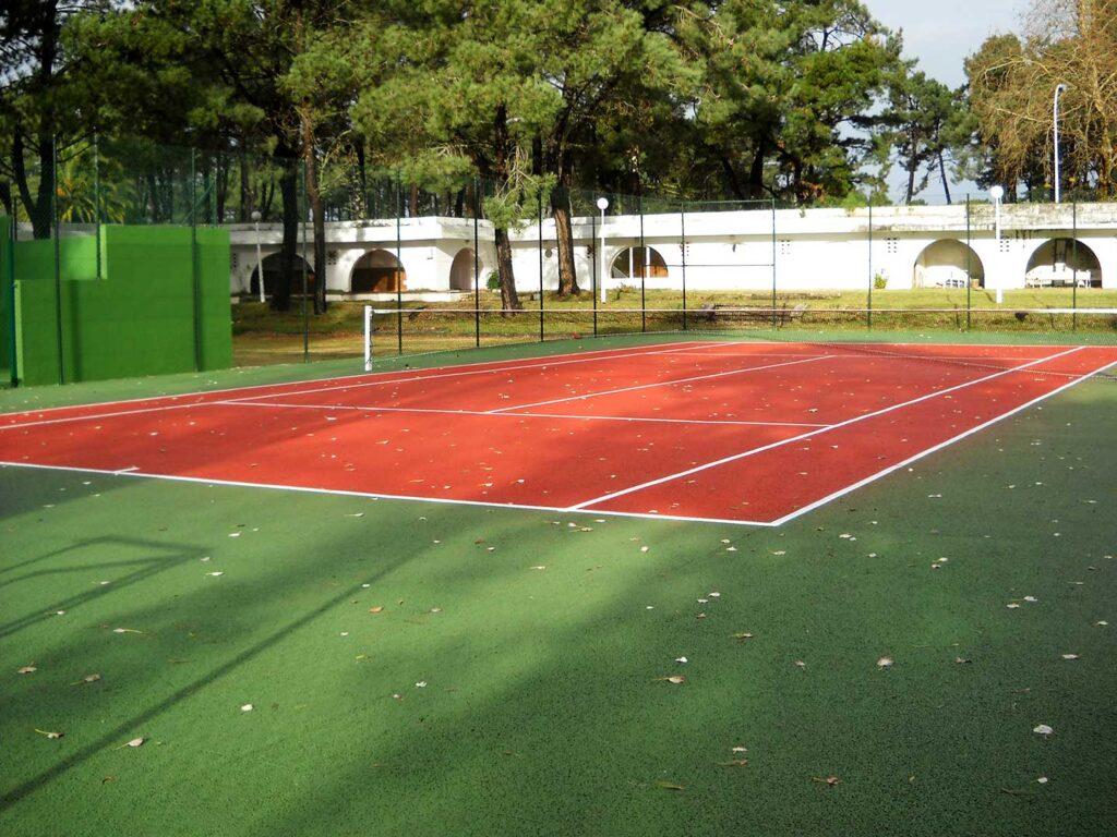 Pista de tenis en poroso